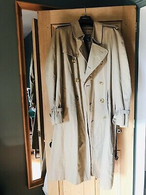 Burberry Mens Trench Coat • 40£