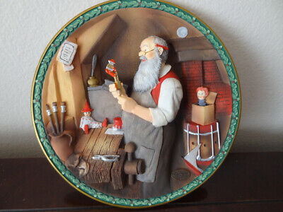$ CDN28.73 • Buy  SANTA'S WORKSHOP  Norman Rockwell Christmas Legacy 3D Collector Plate 1992 COA.