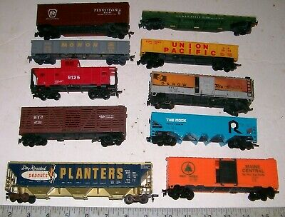 $ CDN40.57 • Buy  Lot Of 10 Vintage TYCO, AHM & Other HO Scale Freight Train Railroad RR Cars