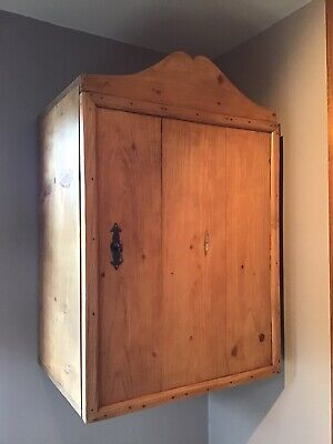 Antique Pine Wall Cupboard ~ With Lock And Key ~ Kitchen ~ Bathroom ~ Utility • 75£