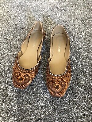 Bronze Beaded Shoes Size 6 • 0.99£