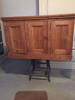 Old Pine Kitchen Wall Cupboard • 10£