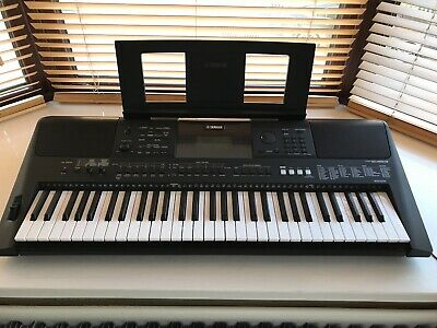 Yamaha PSR-E453 Electronic Portable Keyboard Excellent Condition • 150£