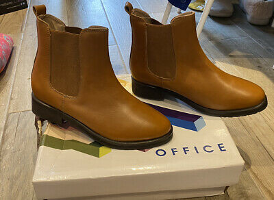 Office Tan Boots Size 4 • 4.90£