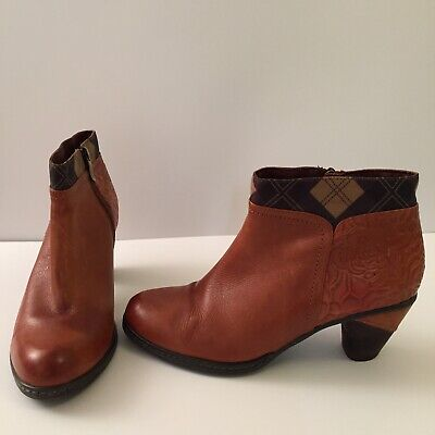 Tan Leather Ankle Boots Pavers Pavacini Size 39 / 6 • 10£