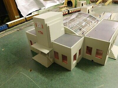 Trix TTR  Manyways   Central Station Buildings Plus More. Very Good Condition • 175£