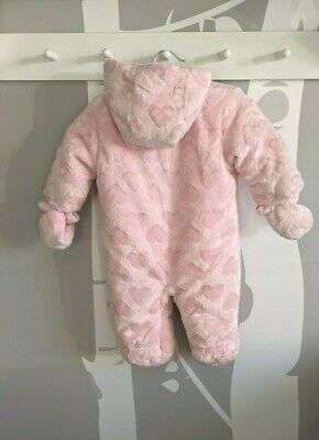 Baby Girl 0-3m Pink Heart Fur Snowsuit Pramsuit Fleece Lined NEW Without Tags • 0.99£