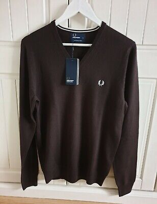 £39 • Buy Fred Perry Classic Tipped V Neck Sweater K7210 Dark Chocolate -Small Merino Wool