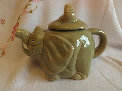 Lovely Elephant Character Tea Pot • 5£