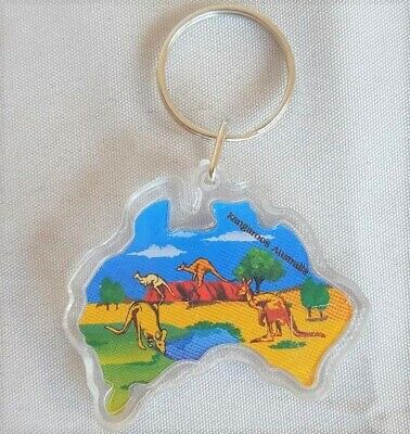 Australia Map Souvenir Key Chain - Uluru And Kangaroos • 3£