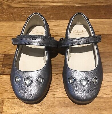 Girls Clarks Pewter Shoes Size 5g • 5£