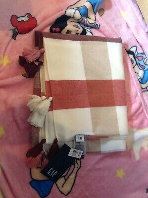 Ladies Blanket Scarf Gap Pink Cream • 5£