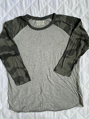 Converse Top Grey Camouflage Size Small • 3.99£