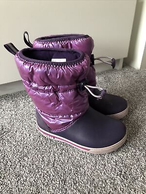 Lovely Little Girls Crocs Boots Size C11  • 4.99£