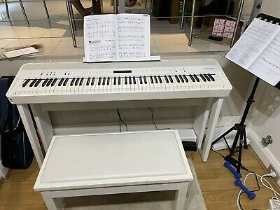 AU2800 • Buy Price Reduced: Piano Roland FP-90 (one Of Best Digital Piano)-WHITE