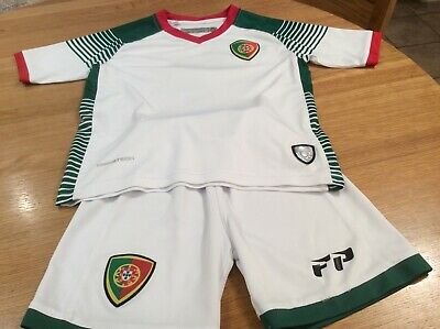 Portugal Football Kit - Size 4 Years - White/Green/Red - Top And Shorts • 4.75£