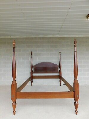 $1095 • Buy Custom Mahogany Chippendale Style Full Size Poster Bed