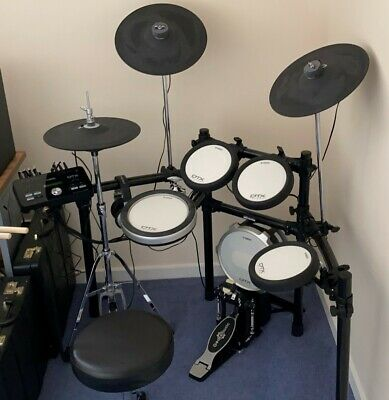 Yamaha DTX582K Digital Drum Kit - With Accessories! • 500£