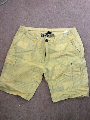 Mens Airwalk Cargo Shorts Size Large Aztec Pattern • 0.99£