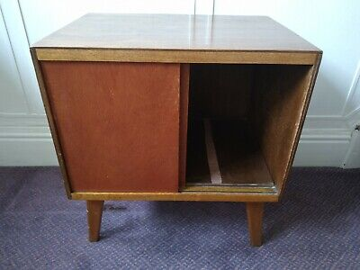 Vintage Small Cabinet - 2 Sliding Doors - Upcycle Project ? • 5£