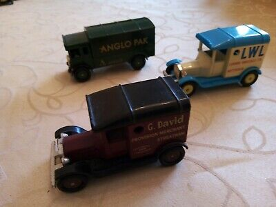 Toy Corgi Trucks • 3.50£