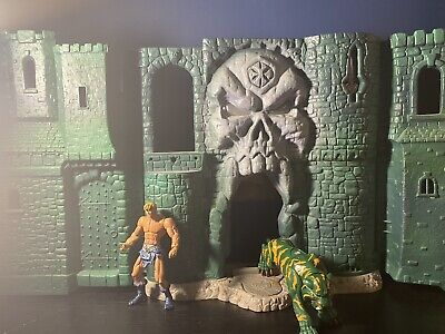 $75 • Buy MOTU Masters Of The Universe  Heman Castle Grayskull Playset 2001