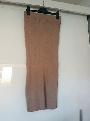 £6 • Buy Womens Knitted Mid Skirt Size XS