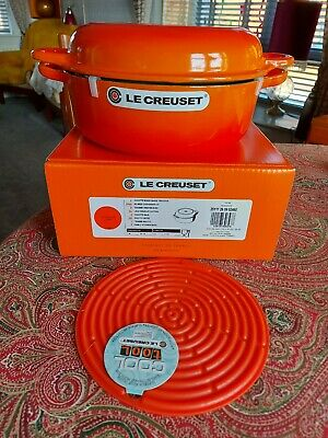 Le Creuset Cast Iron 26cm Shallow Casserole & Multifunction Lid Volcanic Orange • 200£
