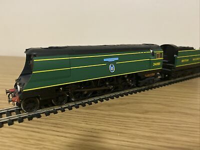 Hornby R2220 Sr West Country 34081    92 Squadron   00 Gauge • 125£