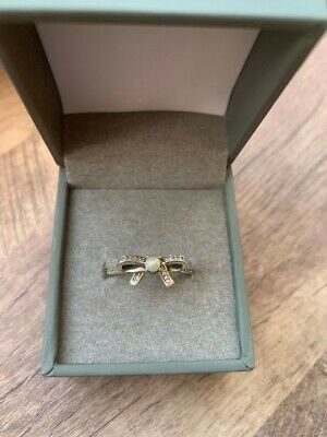 Pandora Bow Ring With Pearl • 25£