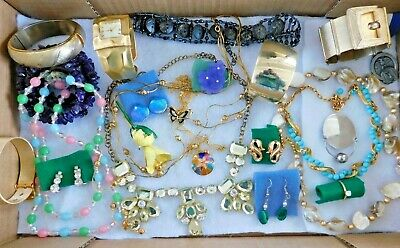 $ CDN37.87 • Buy Lot Of Vintage Jewelry With Designer Signed Pieces -  Sandor, Trifari, EL, Etc.