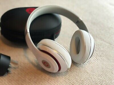 Beats By Dr. Dre Studio MHAJ2 Wireless Headphone - White • 40£