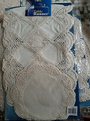 Lace Table Runner And Mats • 3.99£