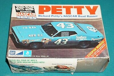 Richard Petty's NASCAR Road Runner MPC 1/25 Vintage Original Complete Unstarted. • 143.37£