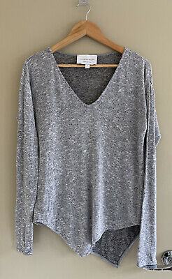 AU35 • Buy Viktoria & Woods Light Grey Knit V-Neck Top Size 0