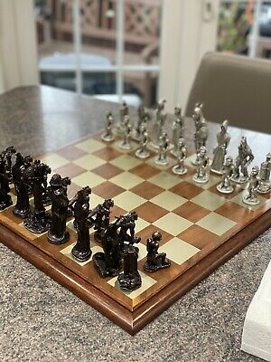 £900 • Buy Lord Of The Rings By Royal Selangor War Of The Rings Chess Set