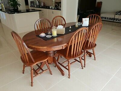 AU200 • Buy Dining Table And Chairs Used