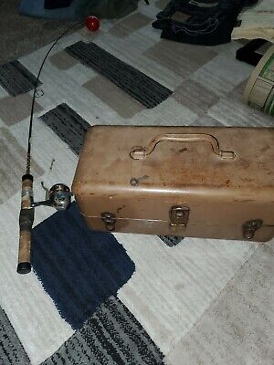 $ CDN62.70 • Buy Lot Vintage Tackle Box Metal Lock With Key Combo Lures + Poles And Reel
