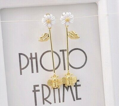 $ CDN10.01 • Buy Kate Spade White Daisy And Bee Earrings