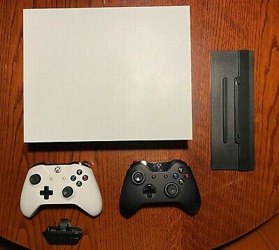 AU215.05 • Buy Xbox One X 1TB Console White + 2 Controllers + Vertical Stand + Headset Adapter