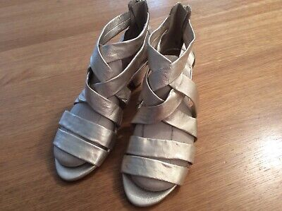 Sandals - Gladiator Style - Size 5 - Clarks - Pale Gold Metallic • 14.99£