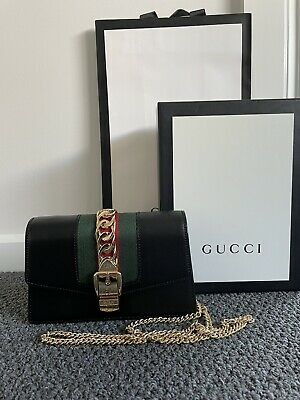 AU810 • Buy Gucci Bag -Authentic - Sylvie Super Mini Bag