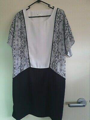 AU5 • Buy Size 14 Blqck And White Snake Dress