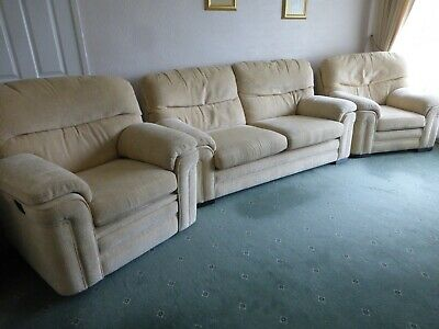 £120 • Buy Cream 3 Piece Suite With Recliner Chair