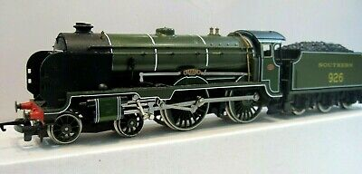 £60 • Buy Hornby R683 Southern Railways Schools Olive Green Class V  REPTON  00 Gauge