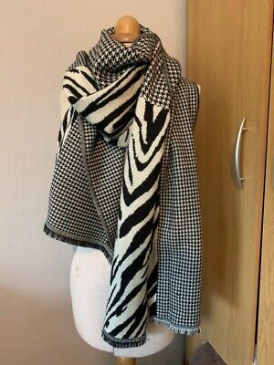 £35 • Buy Allsaints Zebra And Houndstooth Graphic Scarf