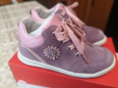 £8 • Buy Superfit Trainers Size 26