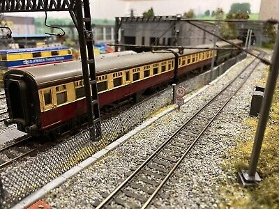 £4.50 • Buy Job Lot 4 Triang Coaches Royal Mail And Passenger For Hornby Train Set 00 Gauge