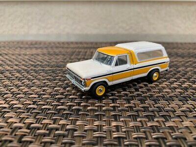 AU4 • Buy Greenlight 1977 Ford F-100 Longbed With Shell 1:64