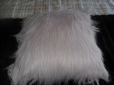 £3 • Buy CUSHION ~ Mongolian Faux Fur 45x45cm Sealed Filling PALE PINK Excel. USED Cond